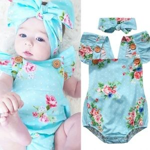 Other - 👶🏼🆕Blue floral ruffle trim romper w/ bow